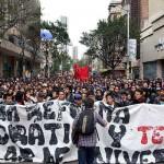 Universitarios reiteraron en las calles su rechazo a la reforma educativa