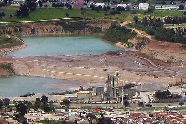 """La explotación minera en Bogotá es una de las principales causas de la destrucción del río Tunjuelo - Foto: """"Apuesta por la Ciudad"""""""