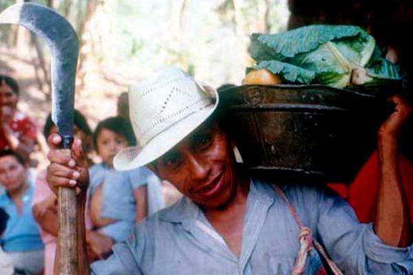 Veinte años después de los Acuerdos de PAz, los salvadoreños consideran que sus principales problemas son la pobreza y la violencia - Foto: Jenny Matthews
