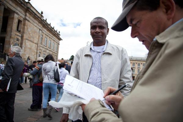 La recolección de firmas para el referendo en contra  de la reforma judicial y el fuerte rechazo de la opinión pública fueron decisivos para la caída de esa reforma constitucional -  Foto: Iván Otero Gelabert