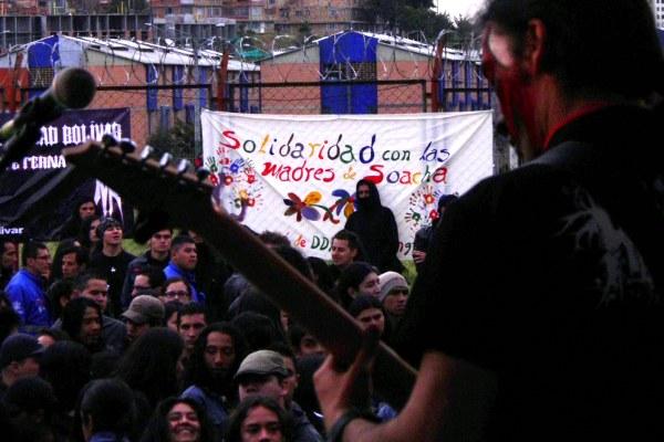 Esta décima edición del festival Metal de las  Montañas demostró la solidaridad de los rockeros de Ciudad Bolívar con las víctimas de los crímenes de Estado -  Foto: María Alejandra Pérez