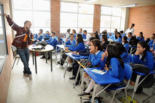 Los docentes del magisterio se preguntan si hay condiciones  adecuadas en los colegios públicos de Bogotá para la implementación de una jornada única - Foto: Personería de  Bogotá