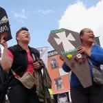 Madres de Soacha y ciudadanos rechazaron campaña de Uribe