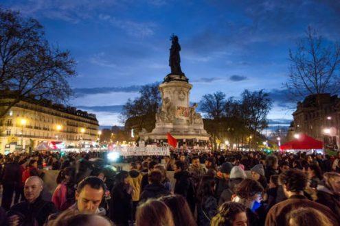 """La """"Noche en pie"""" francesa. Foto: Olivier Ortelpa."""