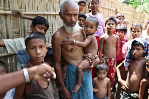 Refugiados rohingyá huyen del exterminio étnico en Birmania. Foto: United to End Genocide.